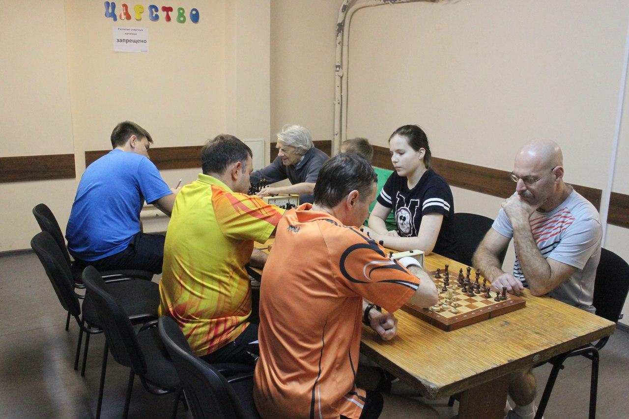«турнир по шахпонгу»